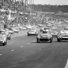 Ford and Ferrari at Le Mans - race start!