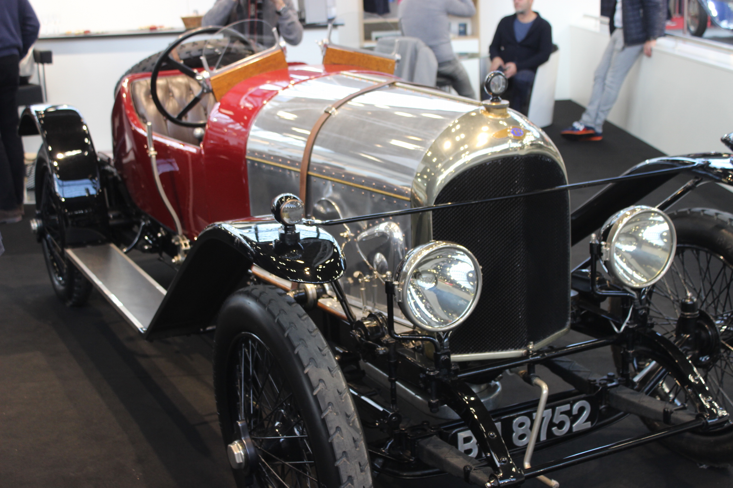 Bentley EXP2