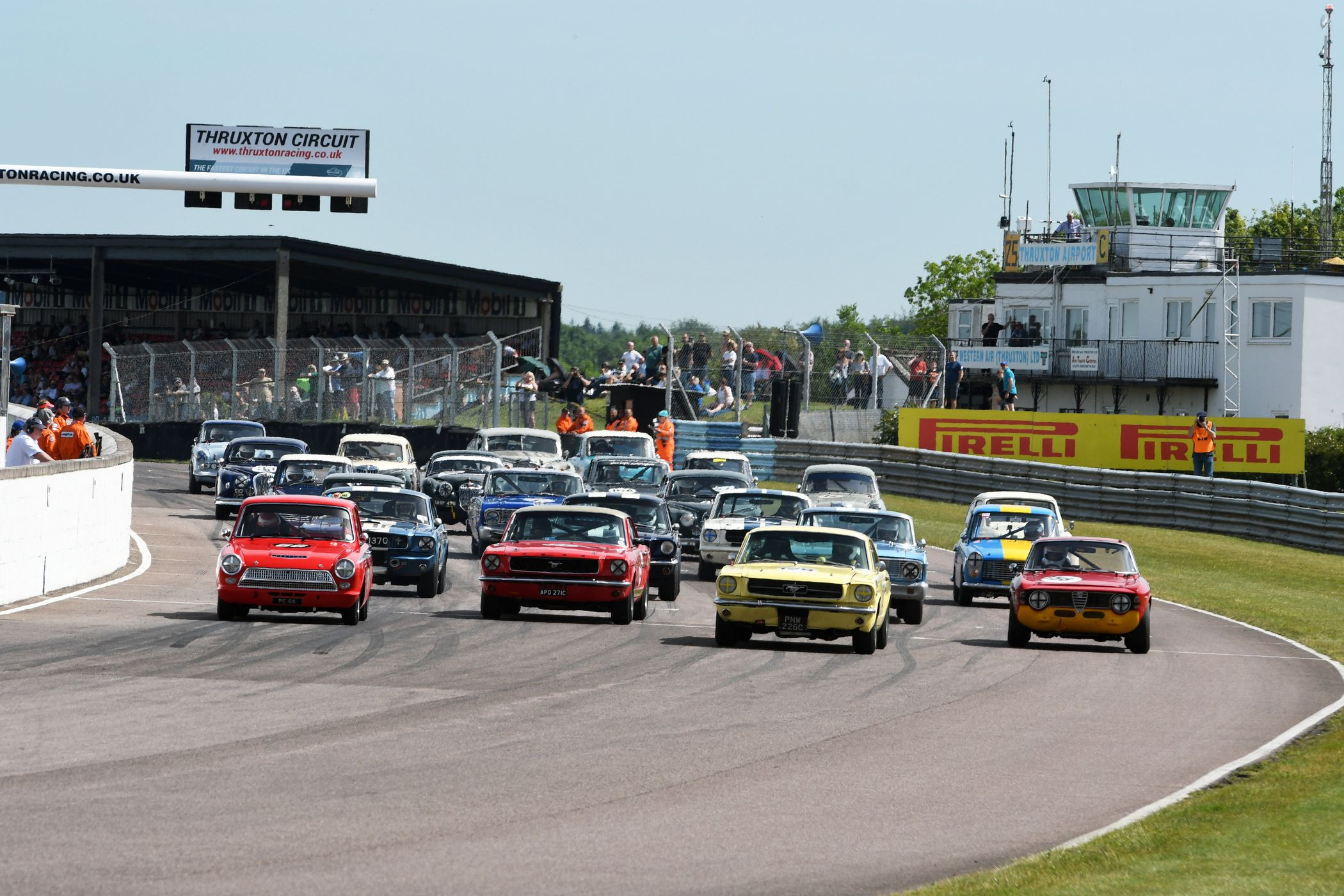 Day At The Track >> Storming Opening Day At Thruxton Motorsport Celebration