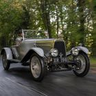 Historic Aston Martin Returns to Scene of Competition Debut 95 Years On!